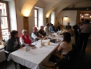 Stůl pro členy Konfederace politických vězňů, oblastní pobočky Ústí nad Orlicí, a pro jejich rodinné příslušníky, pro přátele, kteří se podíleli na vydání knihy.