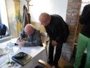 Stanislav Zindulka podepisuje své úvodní slovo s věnováním Daliboru Adamovi, který se podílel na digitalizaci příloh knihy.